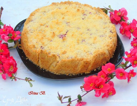 Еще один вариант творожного пирога! Готовится очень быстро и легко: растерла, взбила и запекла :) Пирог выходит очень вкусный, нежный и рассыпчатый, но при этом отлично держит форму, но для этого е...
