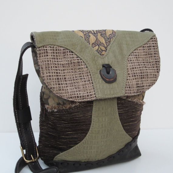 another great find! love the coloring on this purse #purses #handcrafted #handbags #bags