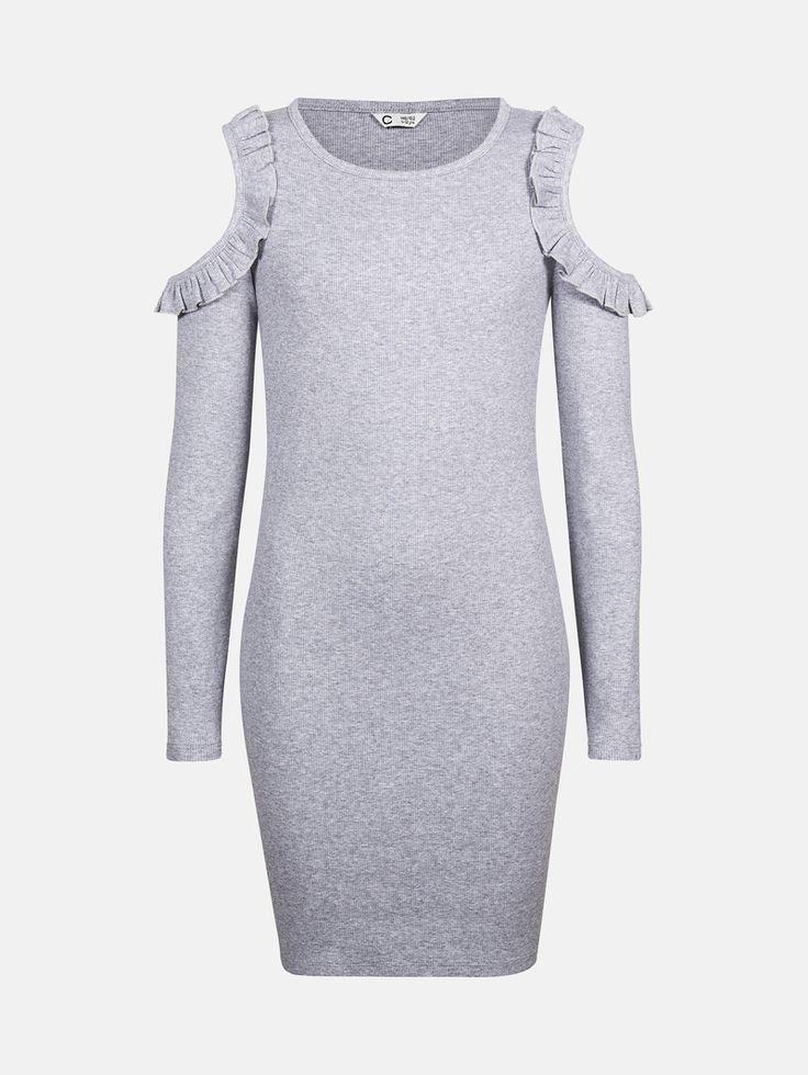 Kjole i ribbet kvalitet med åpne skuldre. Kjolen har rysjekant langs skuldrene. Økologisk bomull. Melert mørk grå