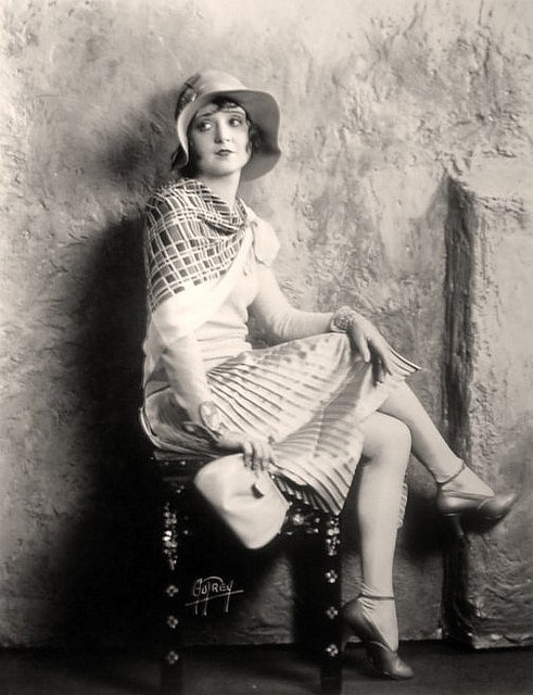 Madge Bellamy 1920s                                                                                                                                                                                 Mais