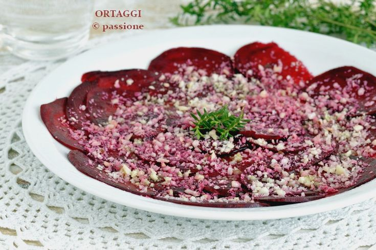 Carpaccio di rapa rossa, antipasto vegano, appetizer with red beets - raw recipe - vegan - vegetarian recipe