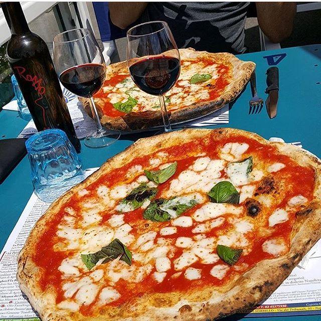 #Pizza al Mare da #Sorbillo in Via Partenope  con @toto_sorbillo  Seguici anche su Facebook: Gino Sorbillo Artista Pizza Napoletana e su Twitter