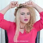 Create tight spiral curls @valjermayne #dollhousedubai