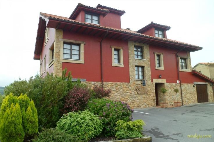 Villaviciosa - Hotel Rural El Gran Duque - El Hotel El Gran Duque está situado en el pueblo de Oles, a pocos kilómetros de Villaviciosa. Su ubicación es ideal para poder visitar la montaña y la costa. Cuenta con múltiples posibilidades para ...