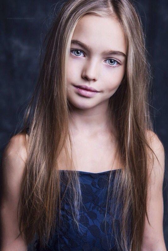 Cute natural little girl blonde hair blue green eyes fashion model pretty smile hawt bæ beautiful beauty | We Heart It