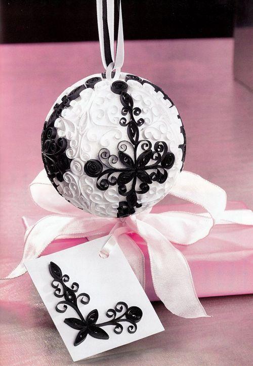 Creații Quilling - Glob alb-negru și card pentru cadouri