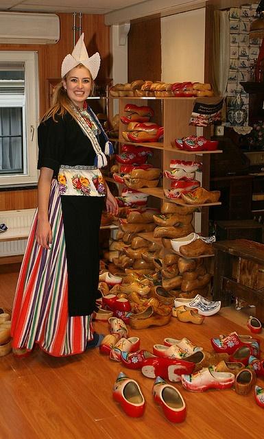 Volendammer girl #NoordHolland #Volendam