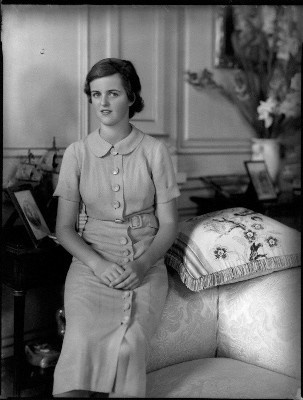 Lady Sarah Consuelo Roubanis (née Spencer-Churchill), at one time the wife of Edwin Russell, Guy Burgos and Theodoris Roubanis; daughter of 10th Duke of Marlborough. She was Consuelo Vanderbilt Balsan's eldest grandchild and a namesake. She was primary beneficiary of Mme. Balsan's estate, inheriting most of her fabulous jewelry and art collections.