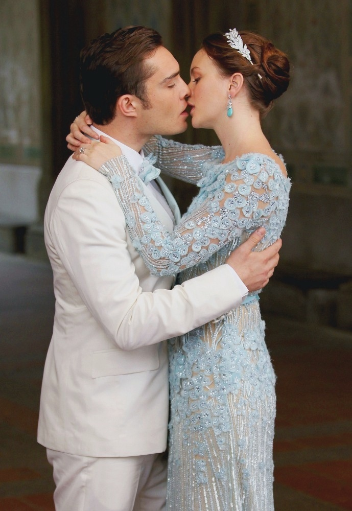 Chuck and blair 39 s wedding gossip girl fashion moments for Wedding dress blair waldorf