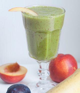 This combination of exotic nectarines, plums and banana will take you to tutti frutti island with extra health benefit of Organic Green Tea Matcha Powder! But what exactly is matcha? Matcha is a form of green tea and thus contains a hefty assortment of antioxidants. @DIYactiveHQ #recipe #cooking #smoothie #health #food #matcha #weightloss #diet