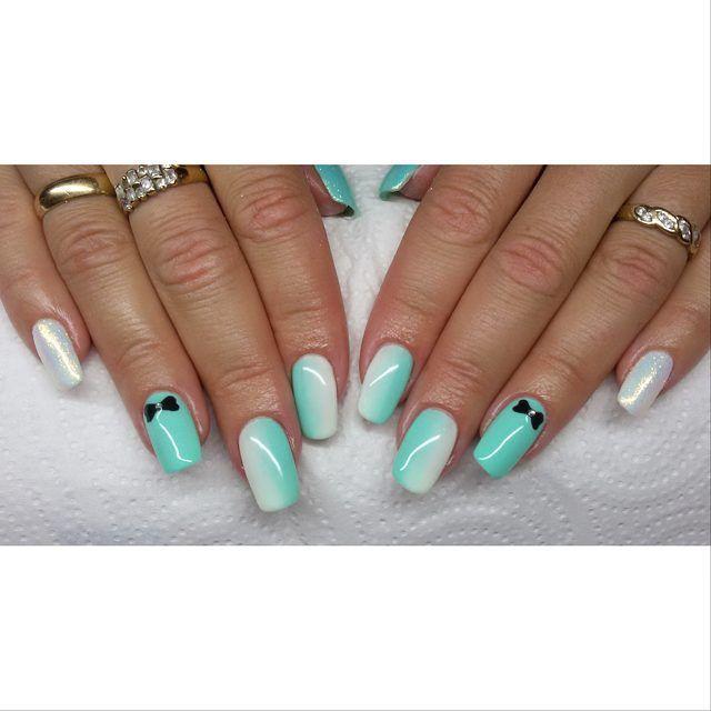 Naturalne! ❤❤❤ #semilac #diamondcosmetics #ilovesemilac #nailart #nails #hybryda #hybrid #manicure #mani #ombre #instanails #indigo #efektsyrenki #syrenka #mermaidnails #mint
