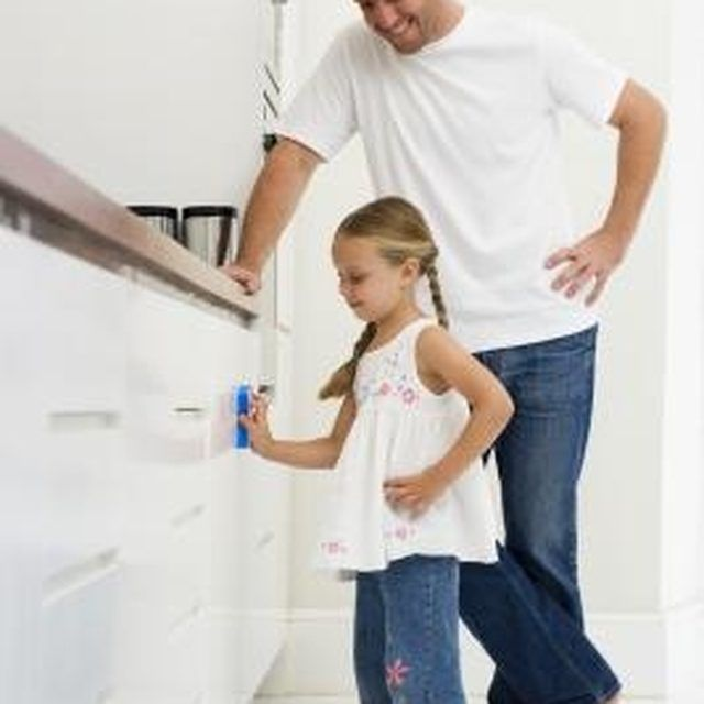 Clean Grease Kitchen Cabinets: How To Clean White Painted Cabinets That Have Yellowed