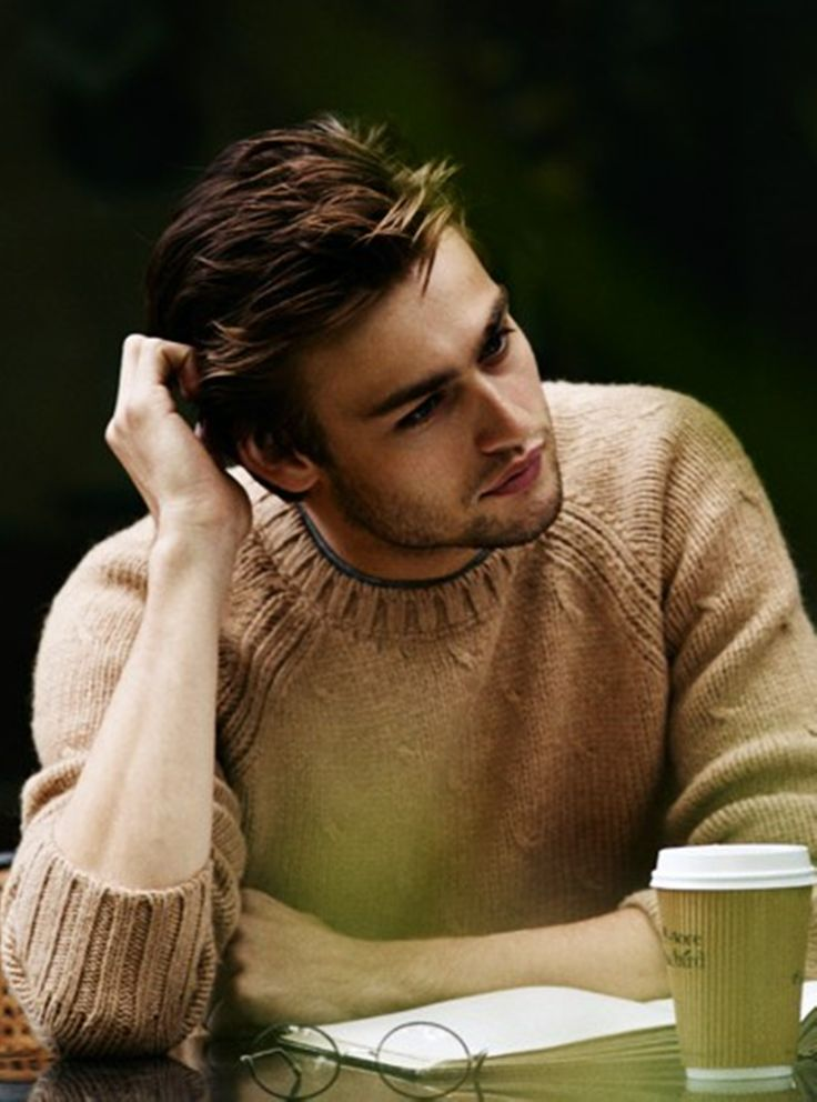 Giacomo Beragetti - exchange student FAMILY: Son of Valentina de Sordia-Beragetti, Boyfriend of Charlotte Rozier