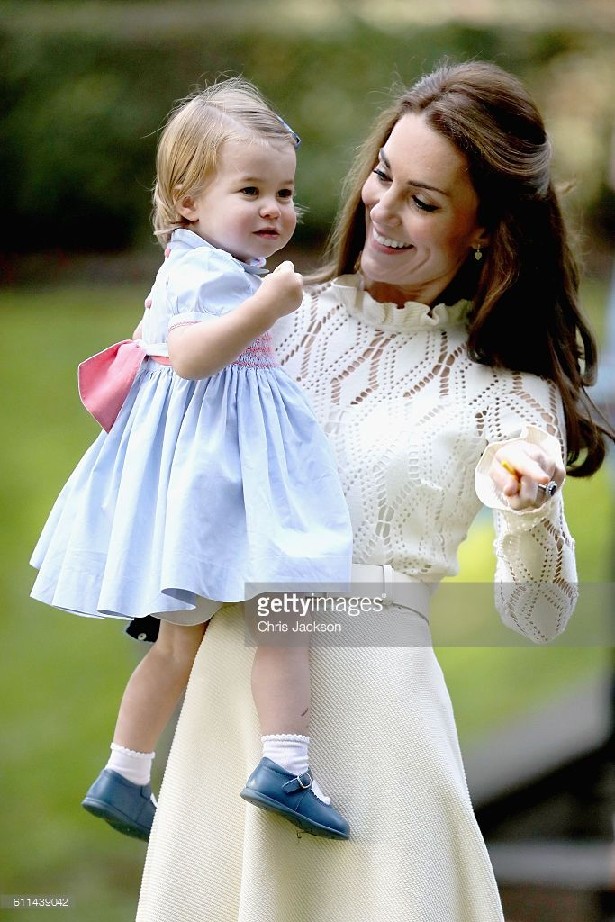 News Photo : Catherine, Duchess of Cambridge and Princess...
