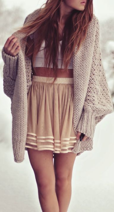 High-waisted skirt, crop top, and cozy sweater. What an awesome casual fall outfit.