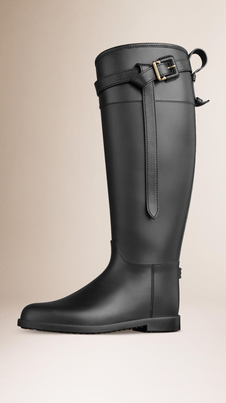 17 meilleures id es propos de burberry bottes de pluie sur pinterest bottes burberry. Black Bedroom Furniture Sets. Home Design Ideas