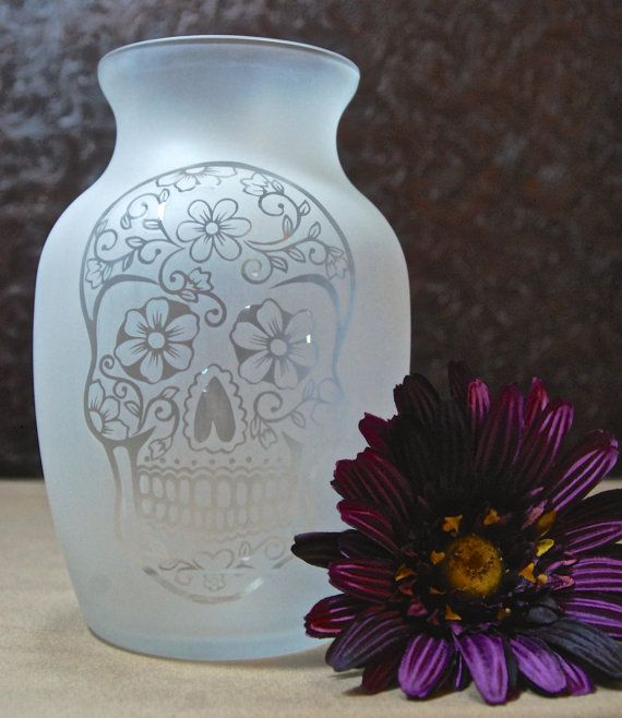 Fully Glass Etched Vase with Sugar Skull, Day of the Dead, Sandblasted Glass, Etched Glass Gifts, Custom Glass Etching, Unique Glass Vase, 2
