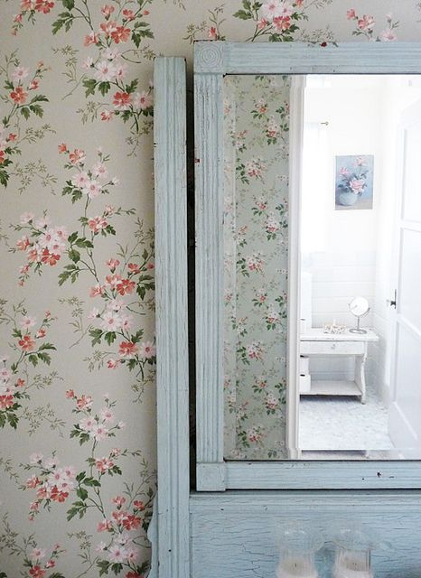 English style floral wallpaper