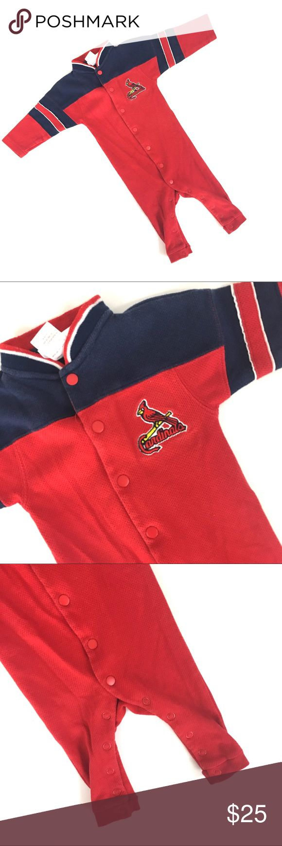 Infant Cardinals jumpsuit/bodysuit Sleeper without feet. Gently used. Size 12 months. Cardinals baseball authorized MLB merchandise   🌹no trades 🌹discounts on bundles of 2+  🌹1000 items listed, take a peak!  🌹suggested user, posh compliant:) MLB One Pieces