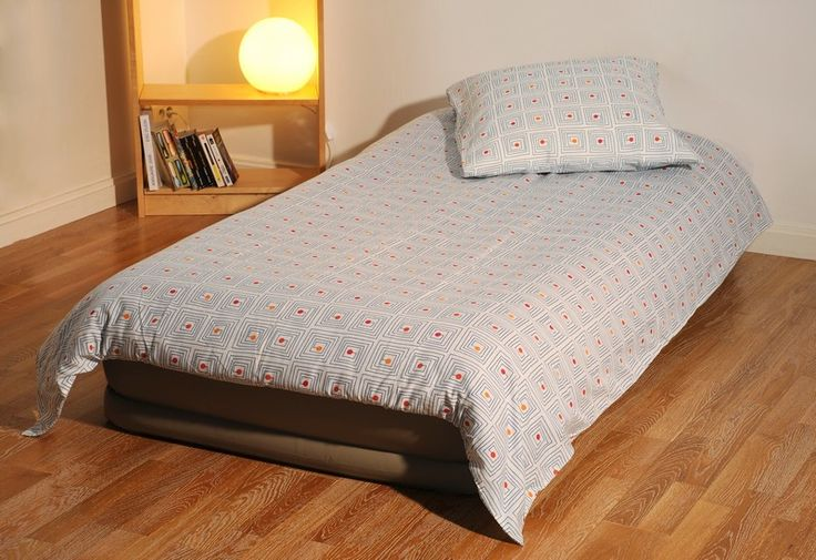 17 best images about matelas gonflable on pinterest cars pool floats and from home. Black Bedroom Furniture Sets. Home Design Ideas