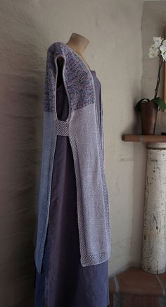 inspiration-Ravelry: Moderno Kimono pattern by Susan Venable  This is a knitted kimono, but would be beautiful quilted, or made from a nice flowing fabric, even pieced randomly~