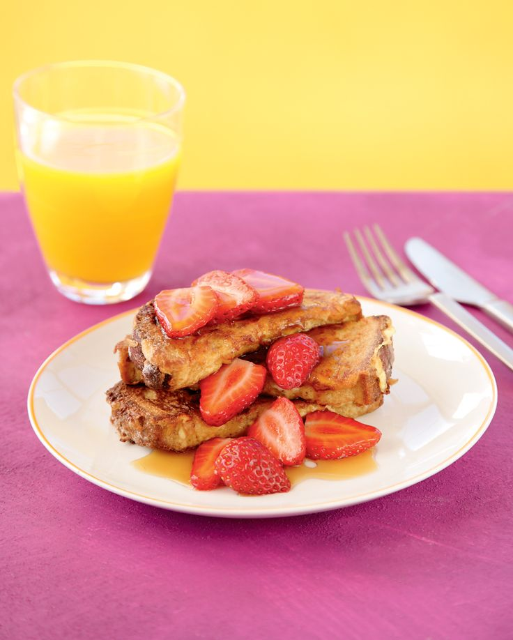 French toast with berries & maple syrup. A classic breakfast perfect for a Sunday treat.  http://woolworths.com.au/wps/wcm/connect/Website/Woolworths/FreshFoodIdeas/Recipes/Recipes-Content/French-toast-with-berries---maple-syrup  #Woolworths #recipe #breakfast