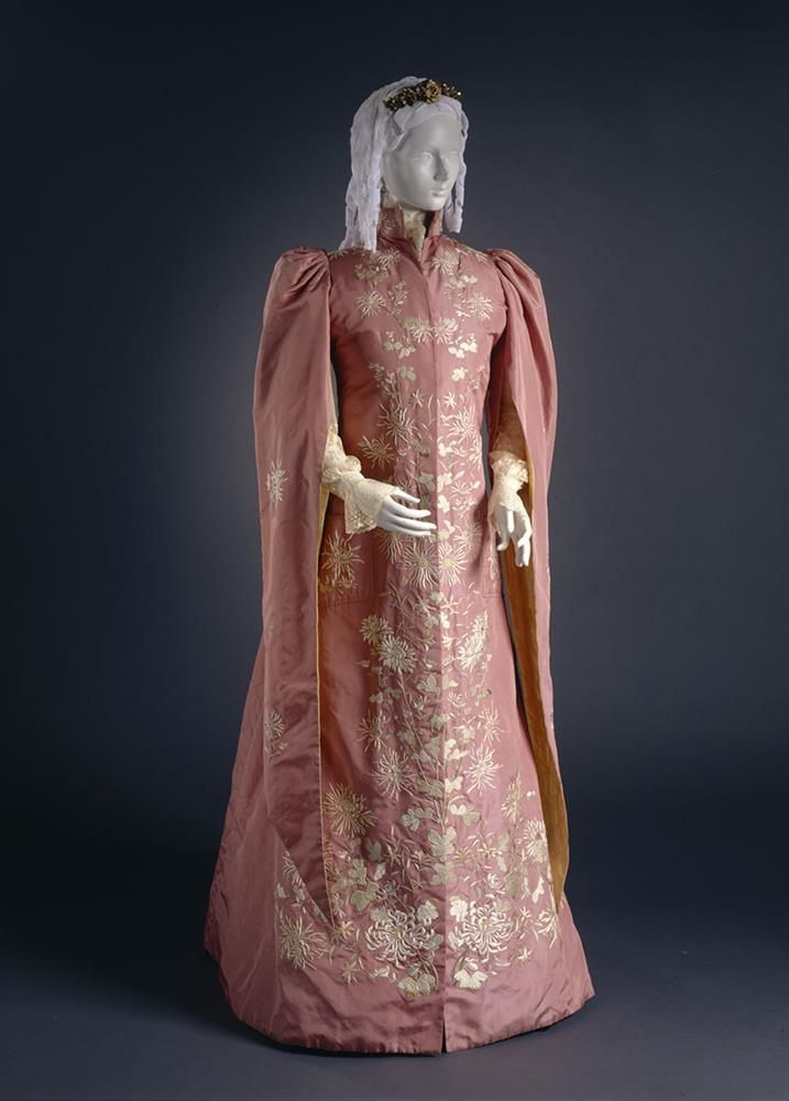 51 best 1890-1899 Dressing Gowns, Tea Gowns and Nightclothes ...