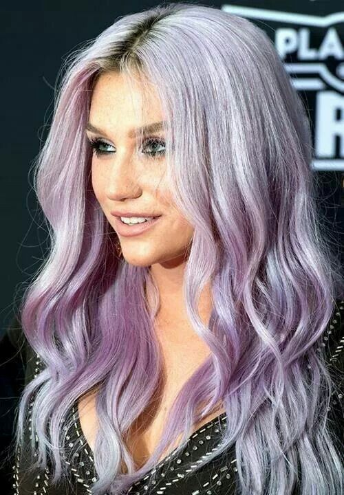 Silvery lavender hair on Kesha