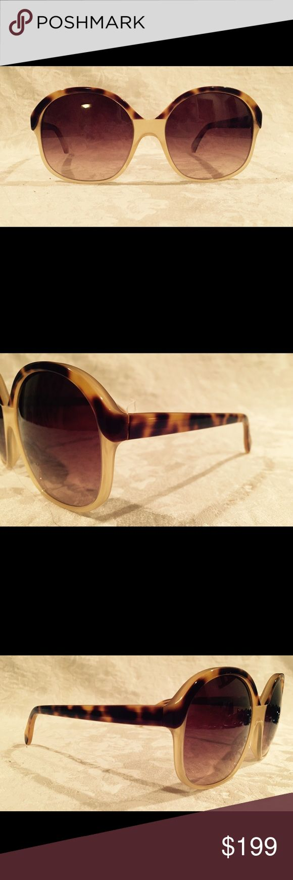 Oliver Peoples women's sunglasses. NEW! Tortoiseshell top of frame and cream-colored lower half. Very elegant oversized movie star sunglasses. NEW!!! Oliver Peoples Accessories Sunglasses