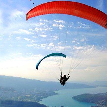 Vol en parapente Survol de Châtel Haute-Savoie 74 - Sport Découverte - www.sport-decouve... #parapente