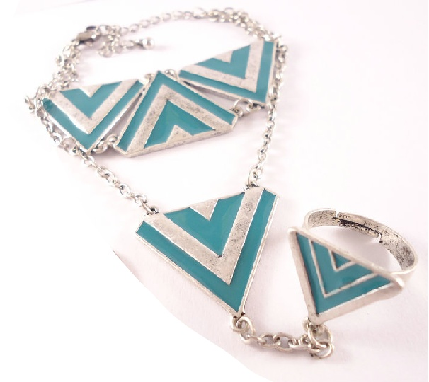 29. Peacock blue punk triangles ring and bracelet set $14