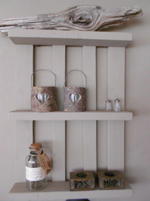 17 beste idee n over pallet decoraties op pinterest pallet knutselen pallet ideas en houtwerkjes - Deco kleur muur decoratie ...