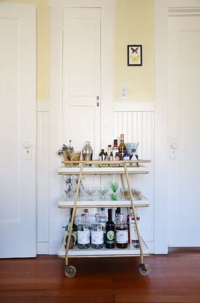 House Tour: A Sunny And Spacious Oakland Rental. Small BarsApartment ...
