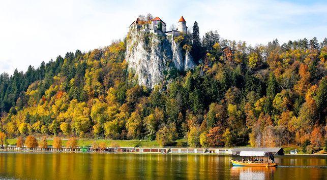 http://images.eldiario.es/canariasahora/Castillo-Bled-orillas-nombre-SLOVENIAINFO_EDIIMA20140814_0477_13.jpg