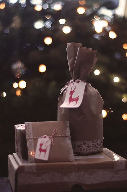 Pretty holiday #gift wrapping