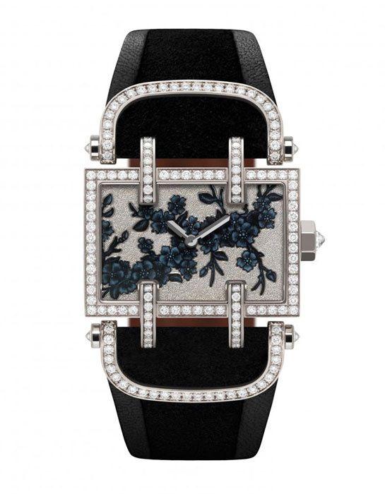 Delaneau montre Cerisier Winter http://www.vogue.fr/joaillerie/shopping/diaporama/l-invitation-au-voyage-montres-metiers-d-arts-japonisants/16840/image/894066#!delaneau-montre-cerisier-winter