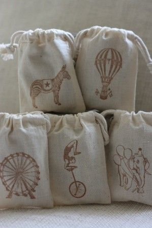 Vintage carnival theme muslin gift bags Big ToP FuN x 20 muslin gift favor bags for carnival themed party