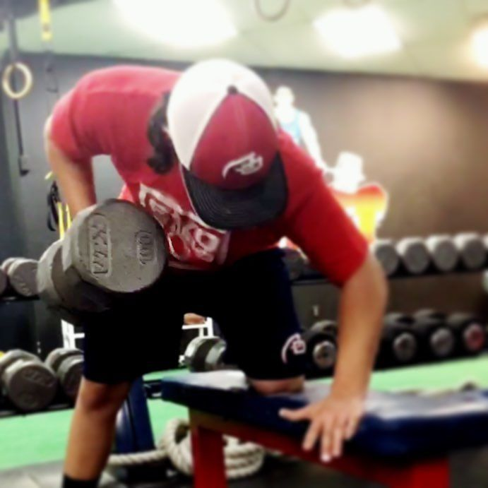 Camden Catholic Baseball Player Luke Mackara hitting 100 pound one-arm DB rows. This kid's strength has skyrocketed and his training and #hardwork is paying off. #strongerbiggerfaster #westberlinnj #trainwiththebest #elitebaseballprep #elitebaseballtraining #southjerseybaseballtraining #southjerseybaseball #njbaseballtraining #njbaseball #trainhardtrainsmart