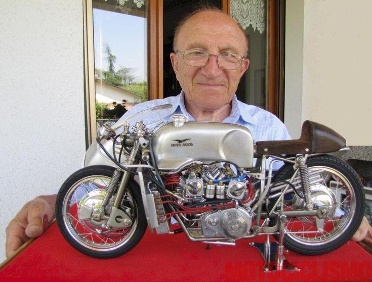 """La Moto Guzzi 500 V8 è una delle moto più straordinarie della storia della Casa di Mandello e del motociclismo. Presentiamo due splendide riproduzioni, opere d'arte in miniatura di due maestri del modellismo """"d'epoca"""". Le foto, i trucchi della realizzazione, la storia dei motomodelli in scala e della mitica """"Otto Cilindri"""" originale (immancabile il video col suono del motore)"""