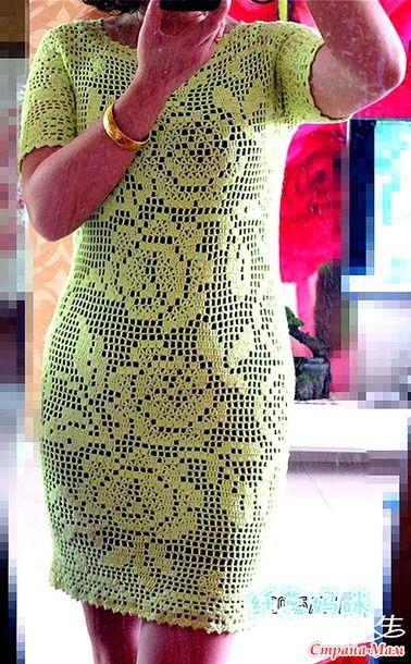 Это платье с короткими рукавами выполненно в филейной технике. Оно смотрится очень нежно и нарядно. http://www.360doc.com/
