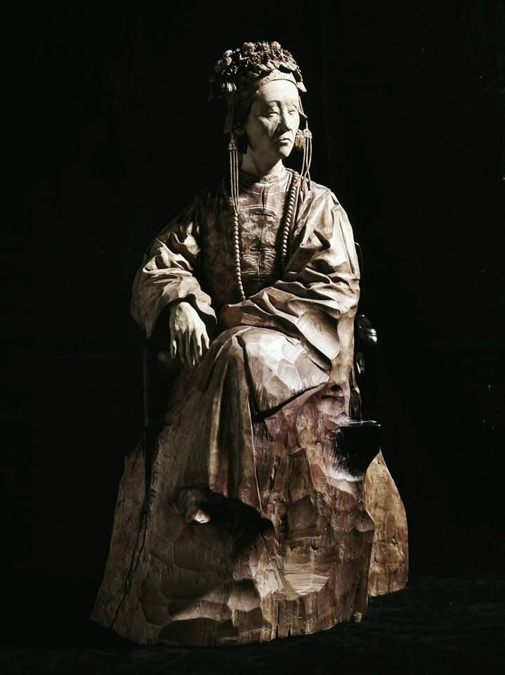 Best Hsu Tung Han Images On Pinterest Sculpture Sculptures - Taiwanese sculpture uses wood to create sculptures of people effected by pixelated glitches
