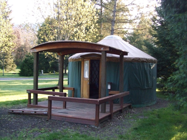 Yurt at valley of the rogue state park near medford for Oregon state parks yurts and cabins