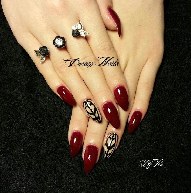 Stiletto nails Red tribal