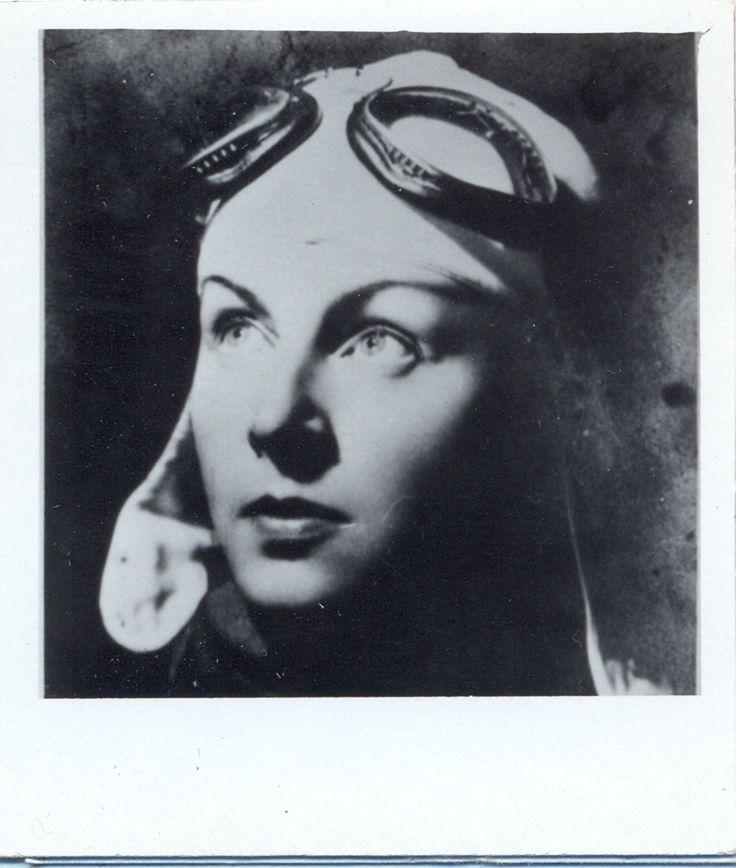 Nadia Russo, pilot al Escadrilei Albe între 1940 şi 1945. Imagine din anul 1935