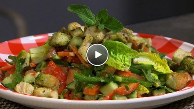 Fattoush, vegetarische Libanese broodsalade - De Makkelijke Maaltijd | 24Kitchen