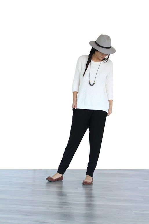 We love enCircled - Pack Less, Do More. Exactly what this pant was meant to do - more! The perfect pant for any occasion! The Dressy Sweatpant can be worn full length or pushed up to be cropped. Great