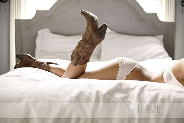 Cowboy boots boudoir! Perfect for GRITS