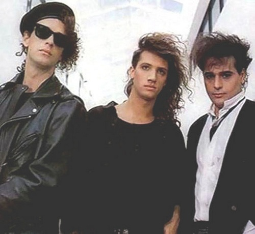 Soda Stereo - Another great Spanish-language rock band.  Very 80's new wave.  From Argentina.