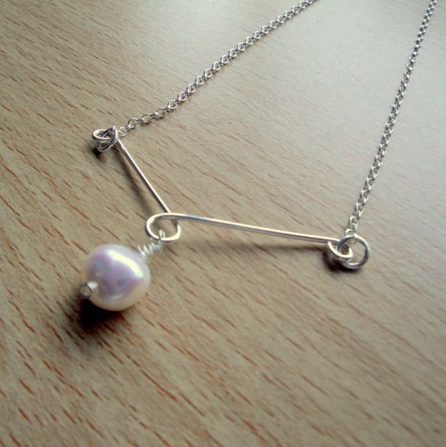 Pearl and Sterling Silver Pendant Necklace