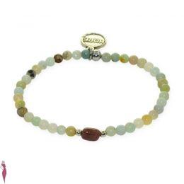 Bracelet élastique avec au centre une pierre semi précieuse couleur taupe, accompagnée de perles en pierres naturelles teintées vert d'eau et de perles en plaqué laiton couleur argent. EXOAL